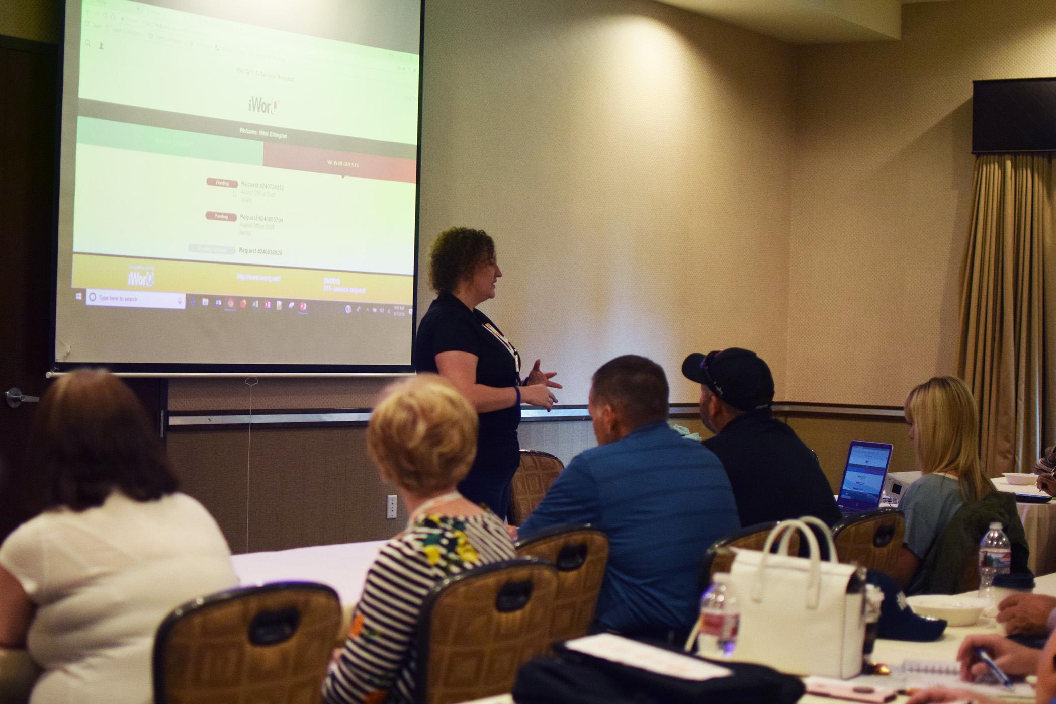 Nikki Presenting a slideshow